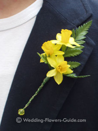 daffodil buttonhole for a spring wedding