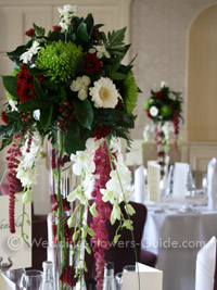 winter wedding centerpiece with roses and amaranthus